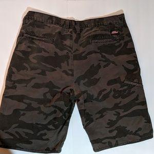 Dickies Moss Green Camo Shorts 38 waist